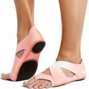 Nike Studio Wrap Yoga Shoes Orange SzS (6-7.5W)